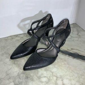 LIFESTRIDE black Seamless strappy heels sz 9 NWOT